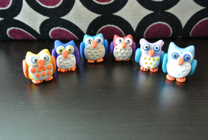create you a very cute custom polymer clay owl in your choice of colours
